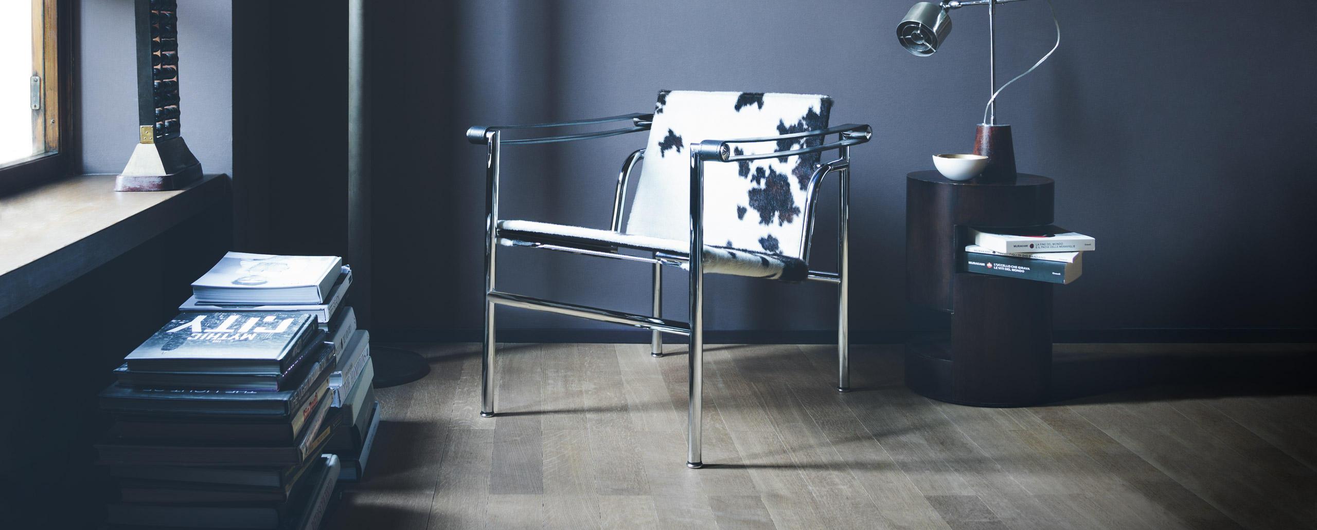 lc1 cassina le corbusier. Black Bedroom Furniture Sets. Home Design Ideas