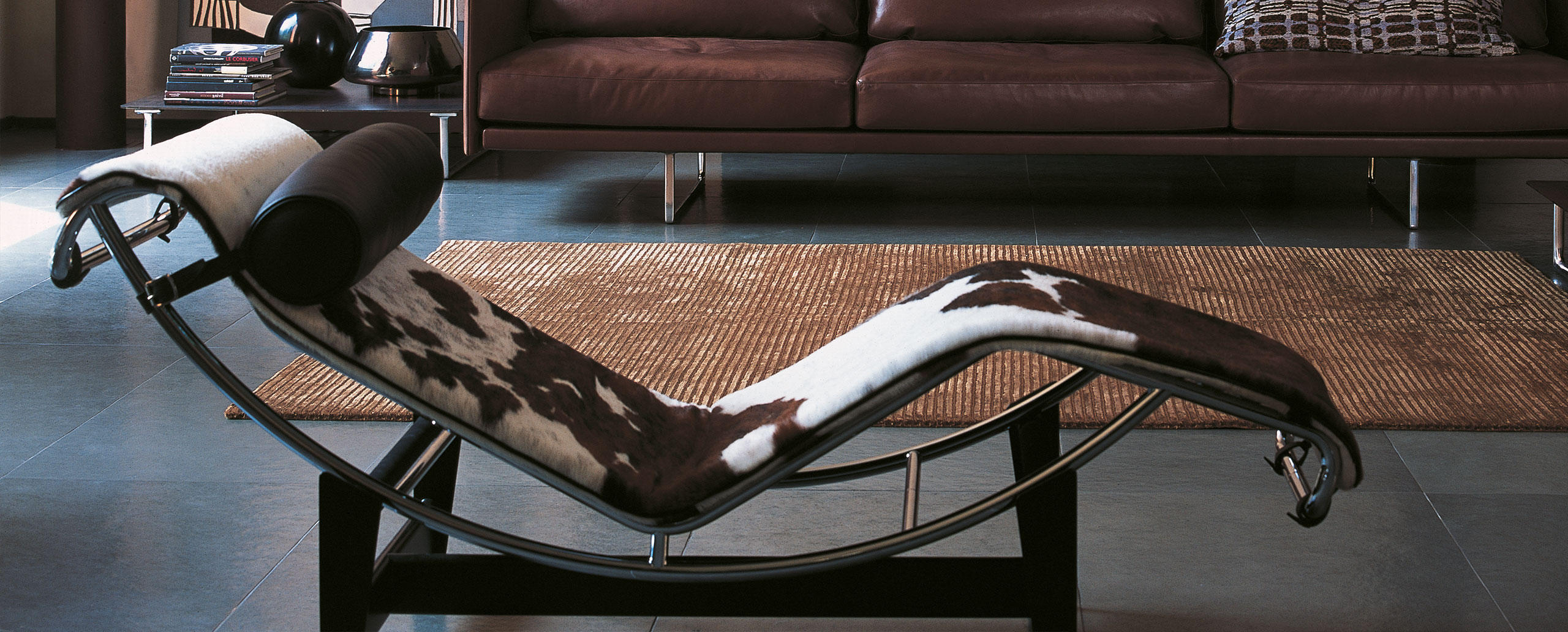 lc4 cassina le corbusier. Black Bedroom Furniture Sets. Home Design Ideas