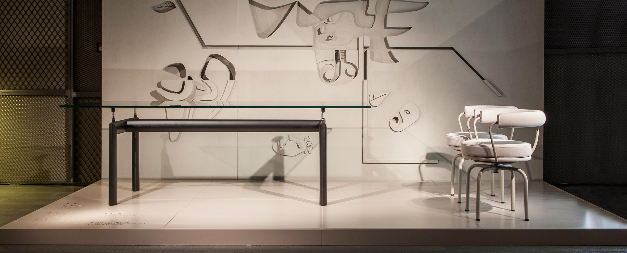 lc6 cassina le corbusier. Black Bedroom Furniture Sets. Home Design Ideas