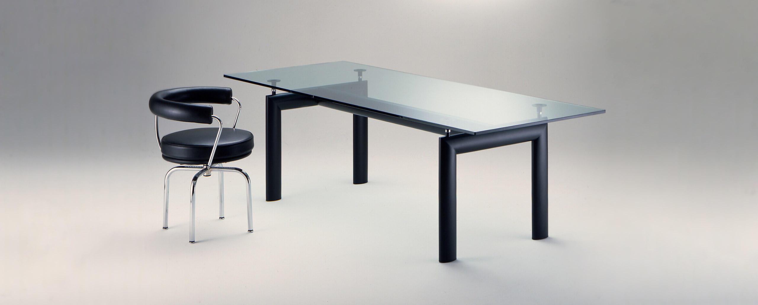 Lc6 cassina le corbusier - Tavolo cristallo le corbusier ...