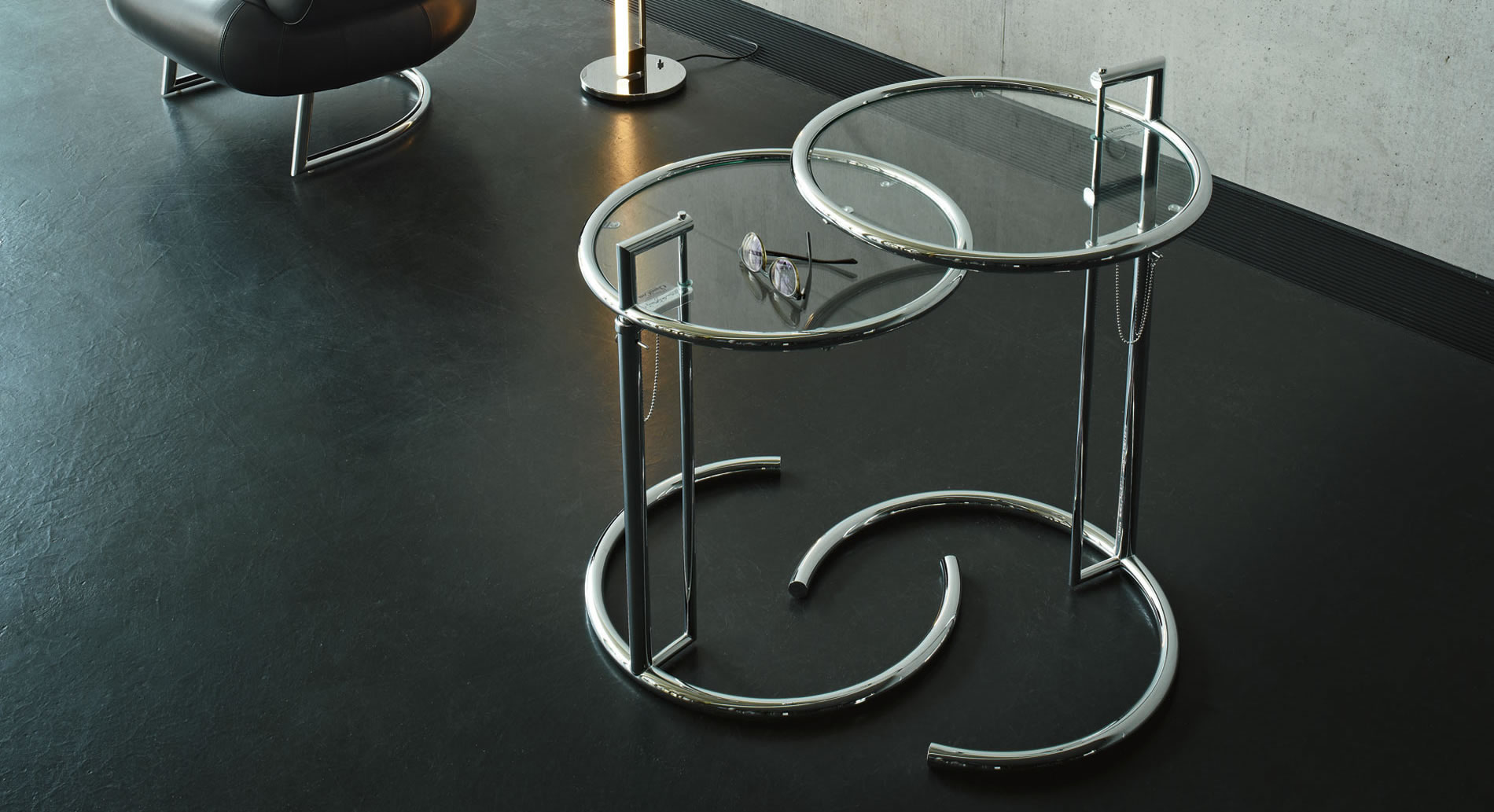 adjustable table e 1027 classicon