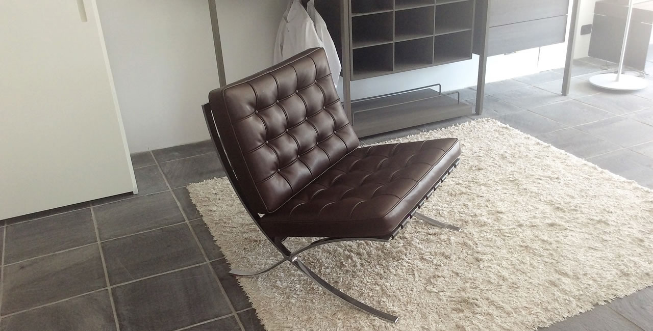 Barcelona relax version knoll international for Poltrona barcelona knoll