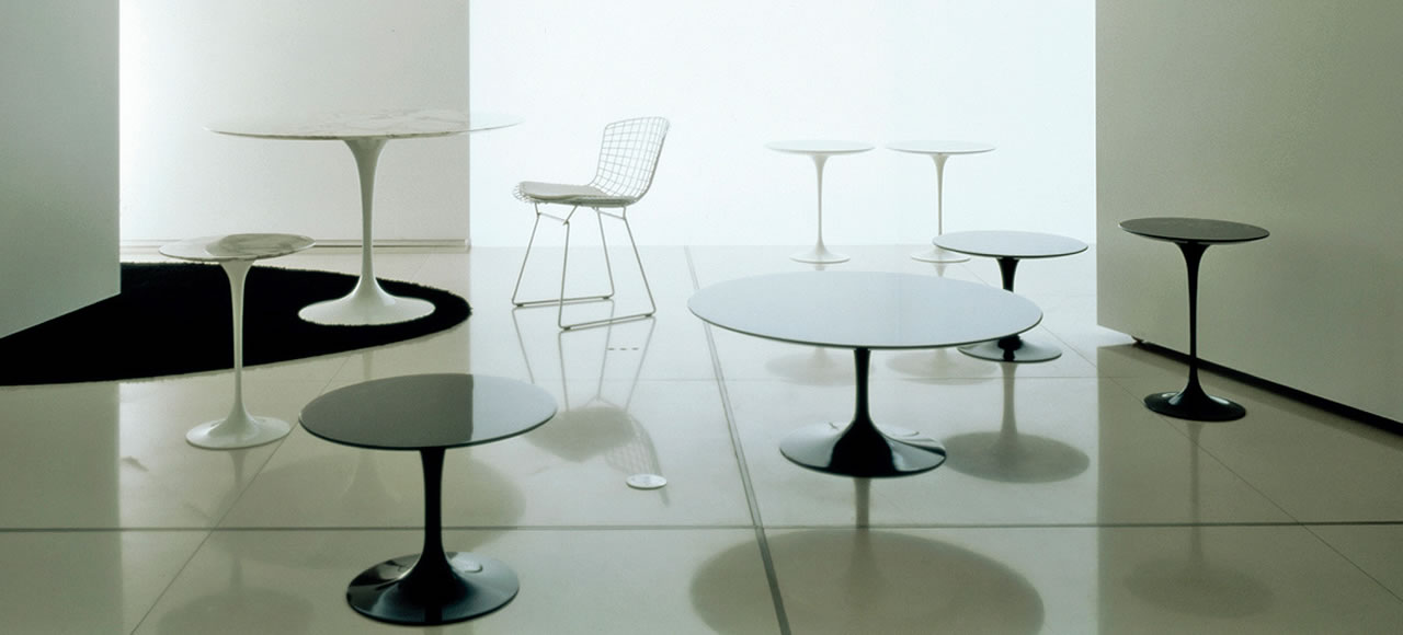 Saarinen table Knoll International