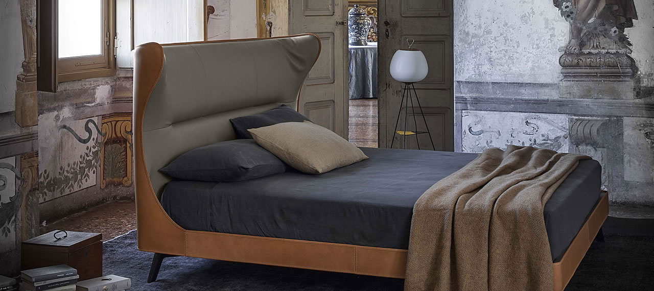 Mamy Blue Bed Poltrona Frau