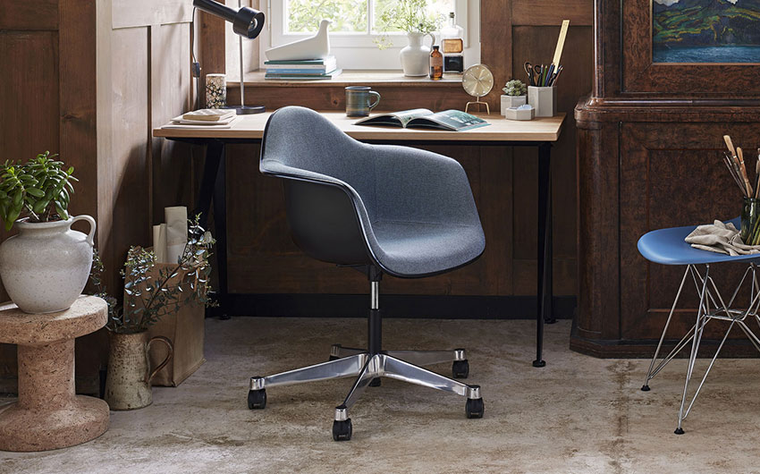 Pacc Eames Plastic Armchair Vitra