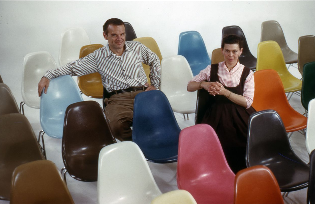 Eames Vitra Fiberglass Chair: the return of an Icon