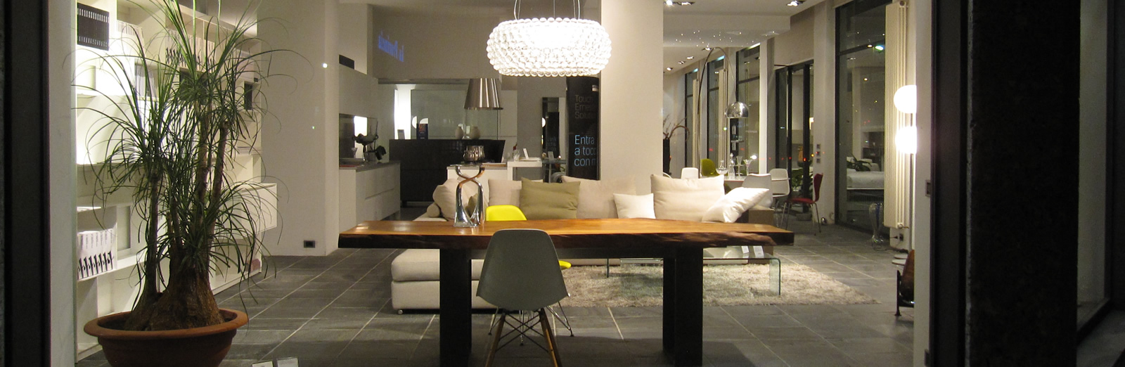 Showroom Villa Guardia - showrooms Gerosa Design