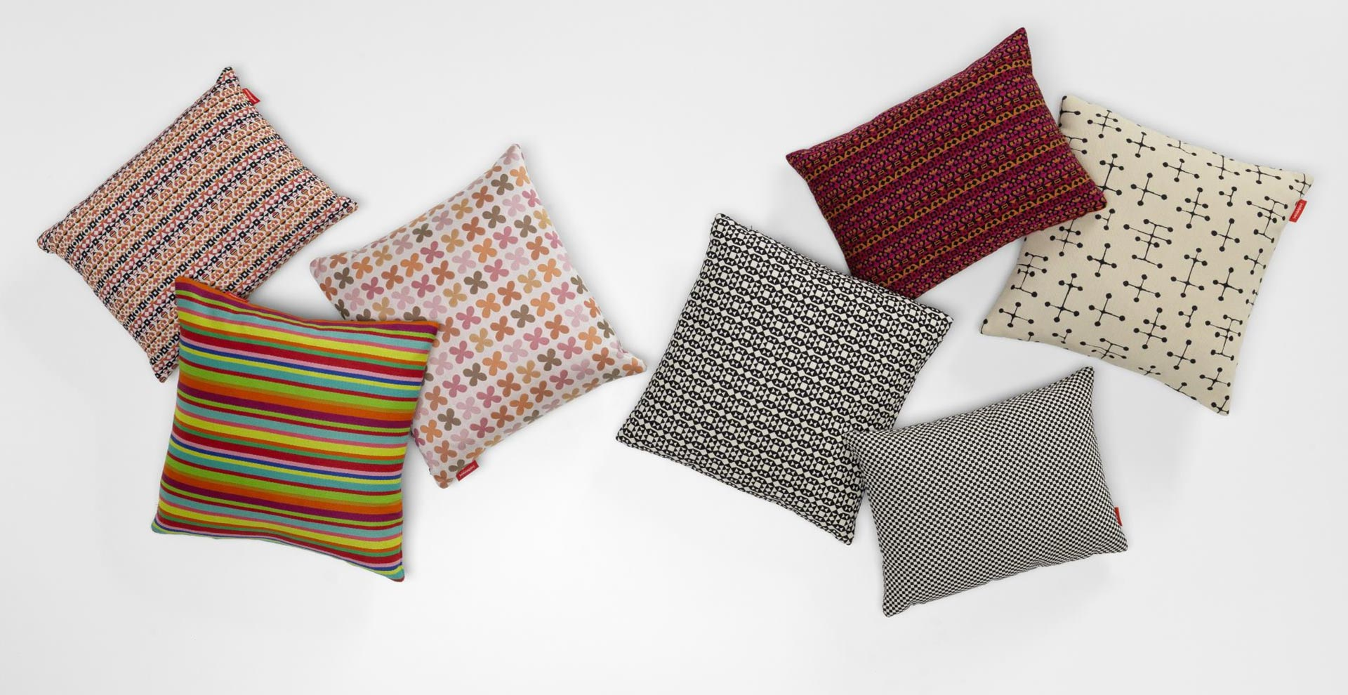 Graphic Print Pillows & Classic Maharam Pillows Vitra