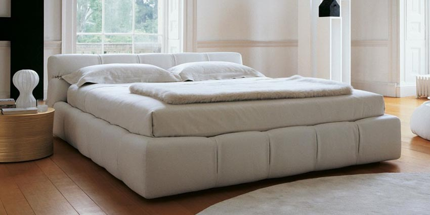 Betten charles bed b b italia nathalie flou moov cassina for B and b italia beds