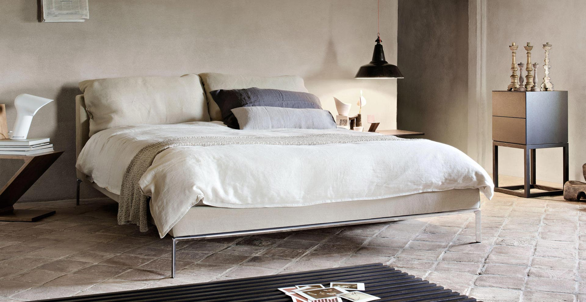 Cassina Moov bed