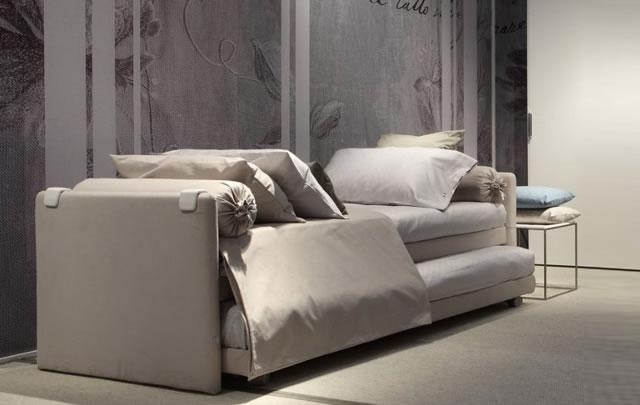 Divani letto design outlet moderno divano letto con for Outlet letti design