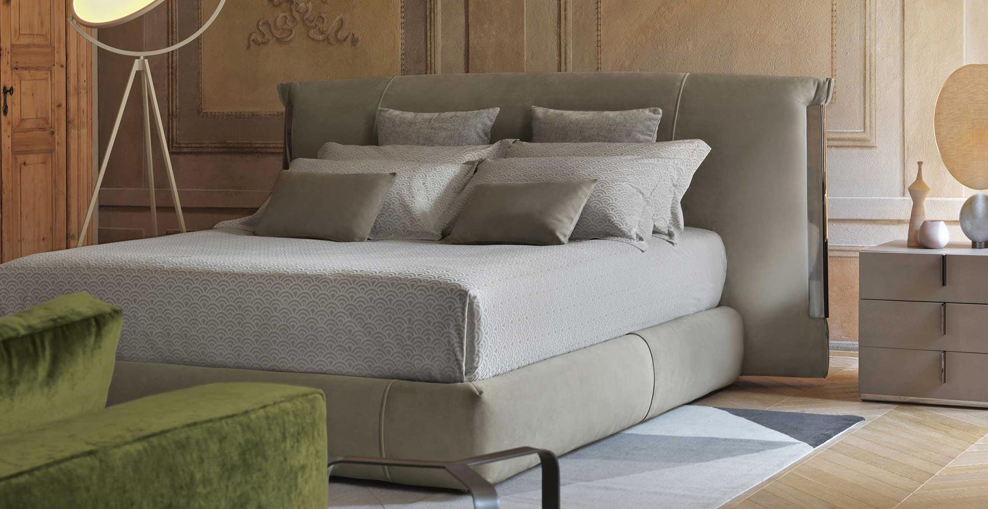 Beautiful letto nathalie flou pictures acrylicgiftware - Letto flou nathalie prezzi ...