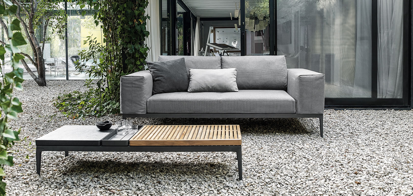 grid lounge gloster grid lounge gloster sonnenliegen outdoor grid lounge gloster sofas. Black Bedroom Furniture Sets. Home Design Ideas