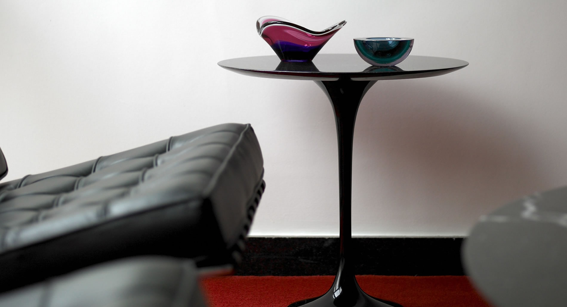 Saarinen low table Knoll International