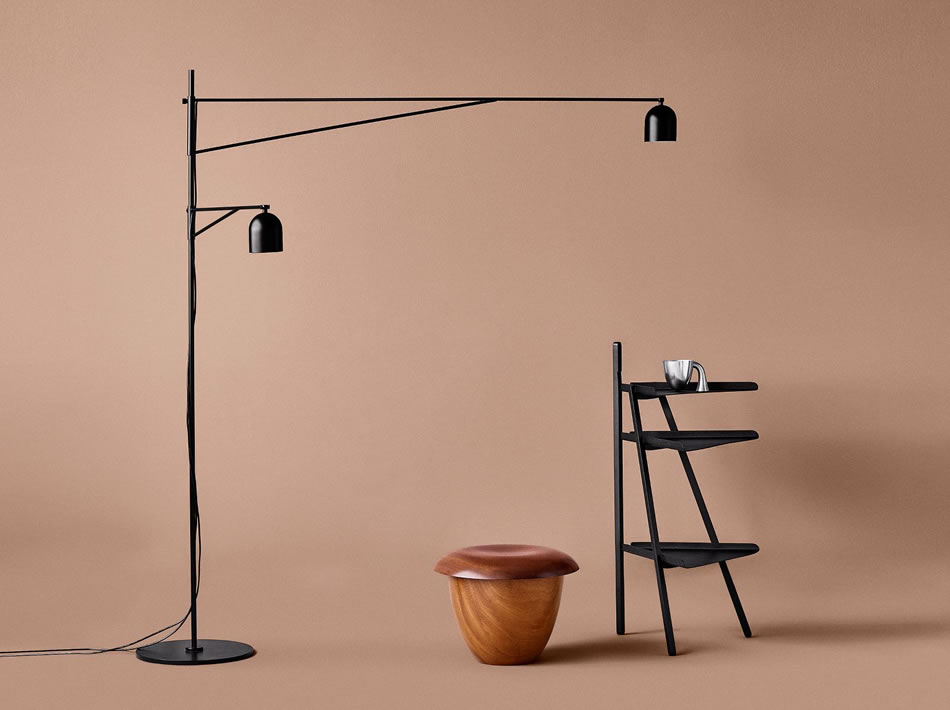 Awkward Light – Karakter by Cassina