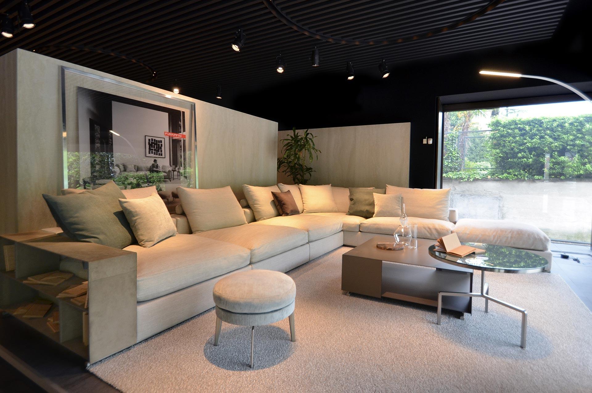 Geschäfte como lago showroom flexform flexform como gerosa