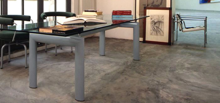 Table. LC6 Le Corbusier Cassina